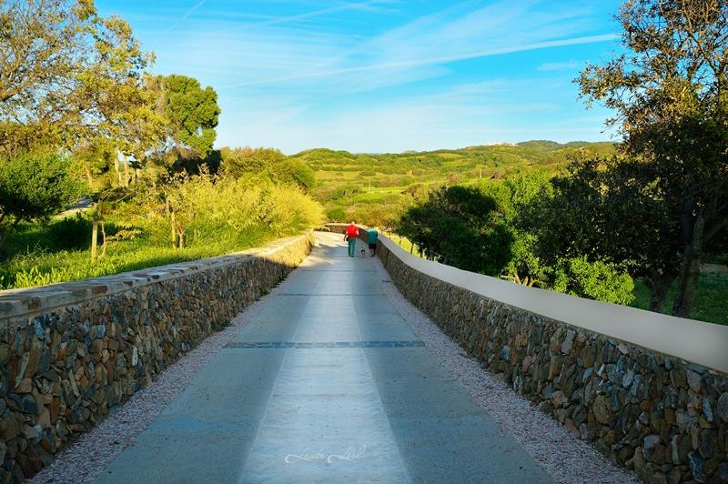 Camino de entrada y salida de Binialàs